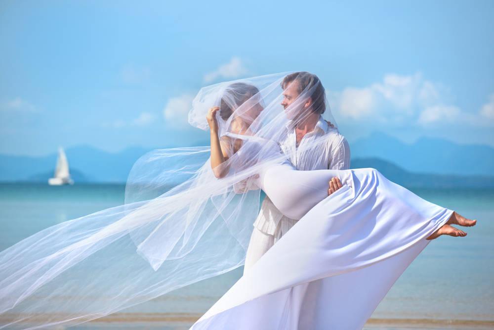 Los mejores consejos y servicios para celebrar una boda ibicenca en Málaga